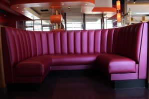 ROANOKE, Oct. 4 - MELLOW MUSHROOM: The restaurent features diner-styled booths. Photo: Katelin Frosell